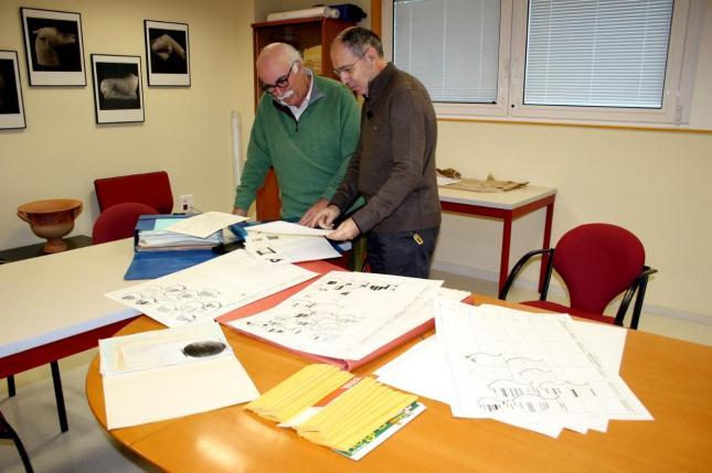 El Instituto de Arqueología Ibérica recibe documentación que recoge la catalogación de más de 500 piezas