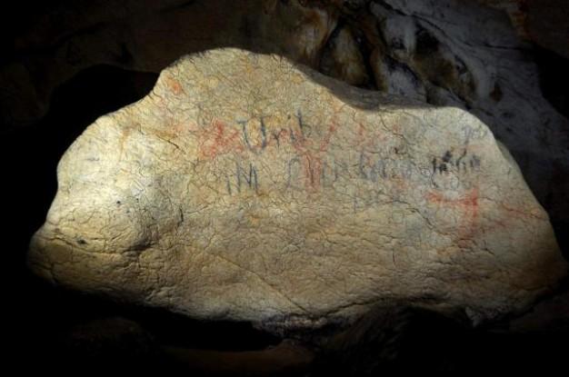 Restos hallados en la cueva de Lumentxa. / Diputación Foral de Vizcaya