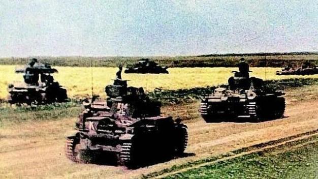 Las potentes divisiones 'panzer' avanzaron velozmente a través de la estepa rusa cercando a cientos de miles de combatientes del Ejército Rojo.