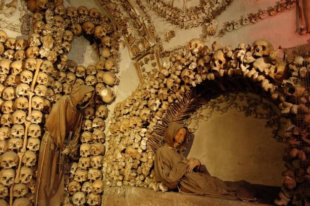 Momias de  frailes difuntos en de las Catacumbas de los Capuchinos de Palermo. EFE