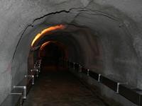 Tunel de acceso a la Sima de la Cueva del Ángel