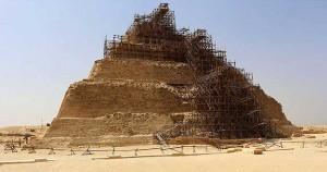Pirámide de Saqqara en proceso de restauración AFP PHOTO/MOHAMED EL-SHAHED