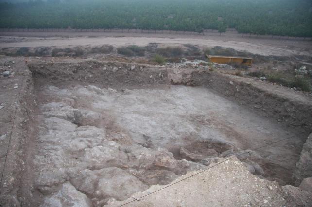 Arqueólogos de la Universidad de Murcia localizan los restos de un templo romano en el yacimiento de la Dama Oferente