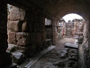 Interior de las excavaciones de Castulo Letrinas