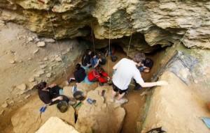 Excavación en la cueva de Lezetxiki
