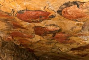 Cueva de Altamira - Vista general de la Gran Sala de polícoromos