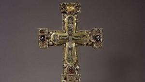 Crucifijo procedente del tesoro de los guelfos