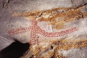 grabados de puntos en la Cueva del Castillo