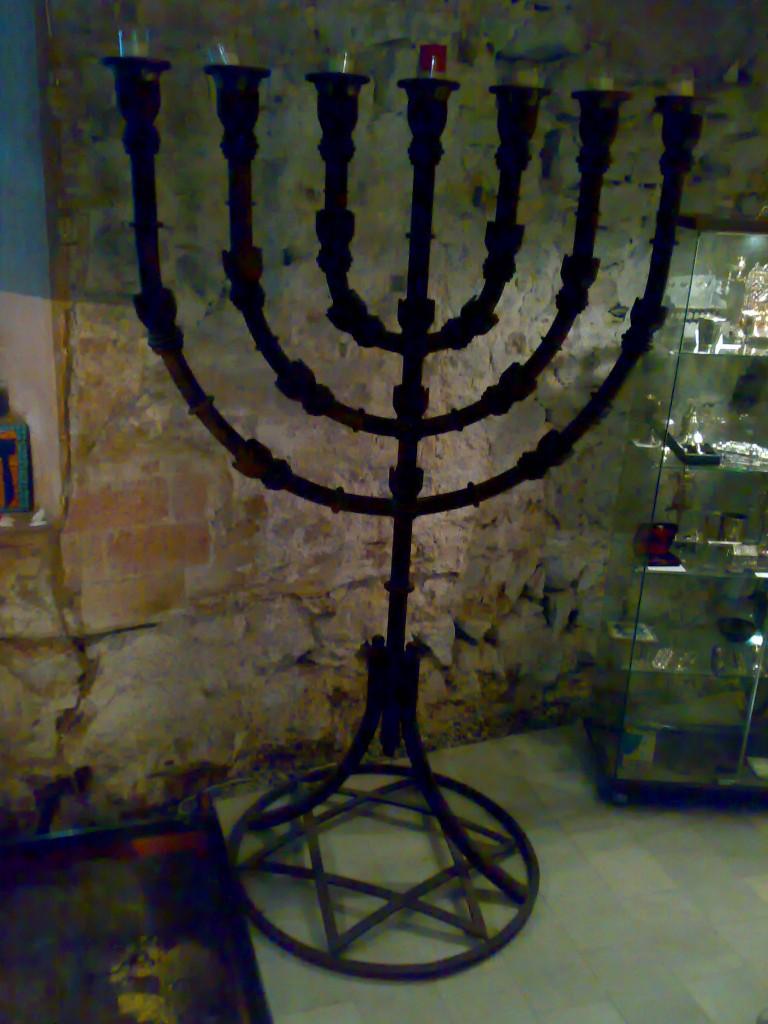 menora_sinagoga